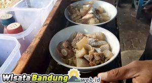 9 Wisata Kuliner Bandung yang Patut Anda Coba