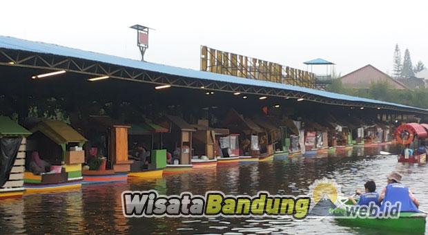 Jalan jalan ke Floating Market